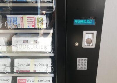 Zeitungs-Automat 8